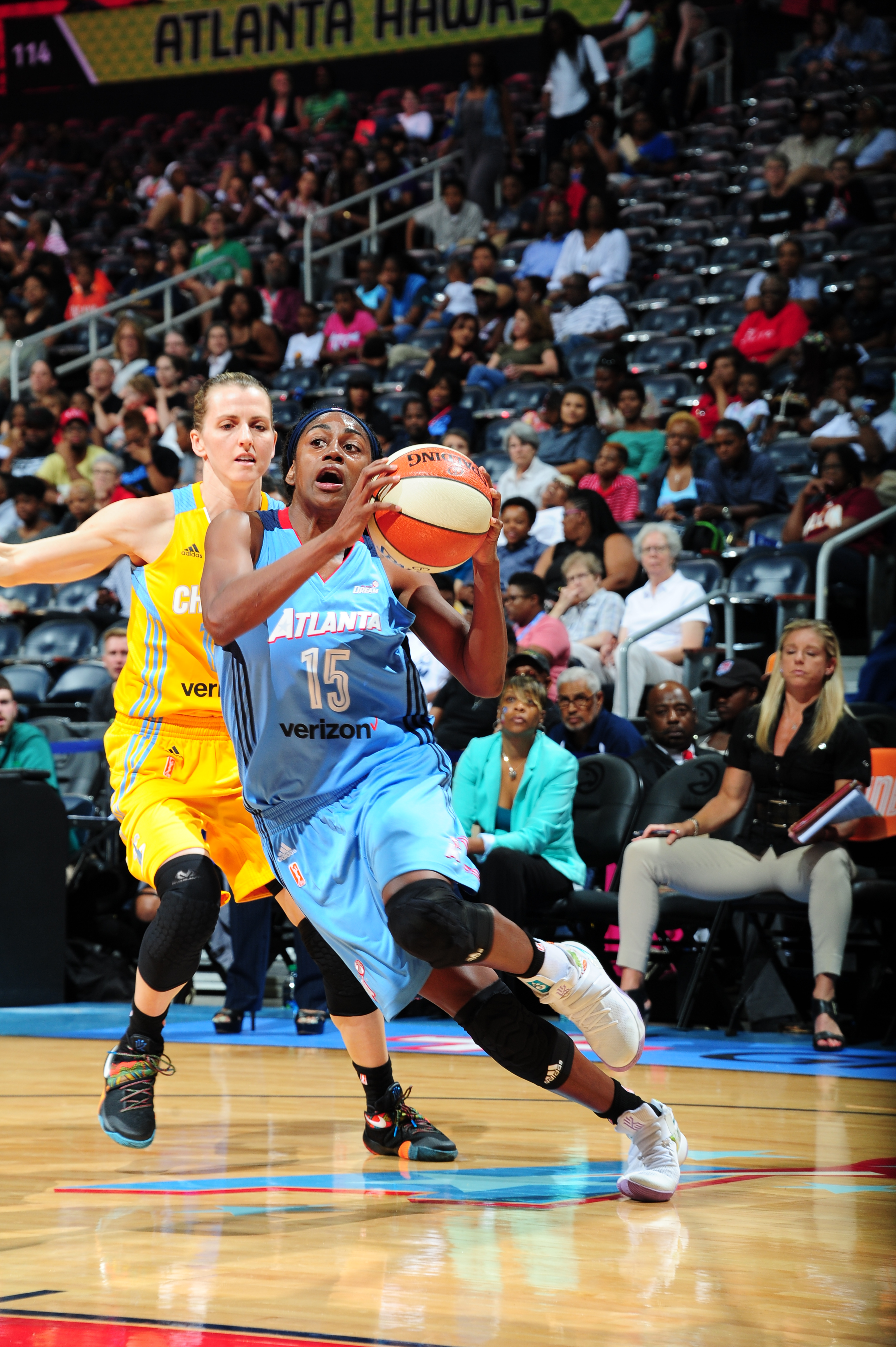 ATLANTA, GA - JUNE 17: Tiffany Hayes #15 of the Atlanta Dream drives to the basket against the Chicago Sky on June 17, 2016 at Philips Arena in Atlanta, Georgia. NOTE TO USER: User expressly acknowledges and agrees that, by downloading and/or using this Photograph, user is consenting to the terms and conditions of the Getty Images License Agreement. Mandatory Copyright Notice: Copyright 2016 NBAE (Photo by Scott Cunningham/NBAE via Getty Images)