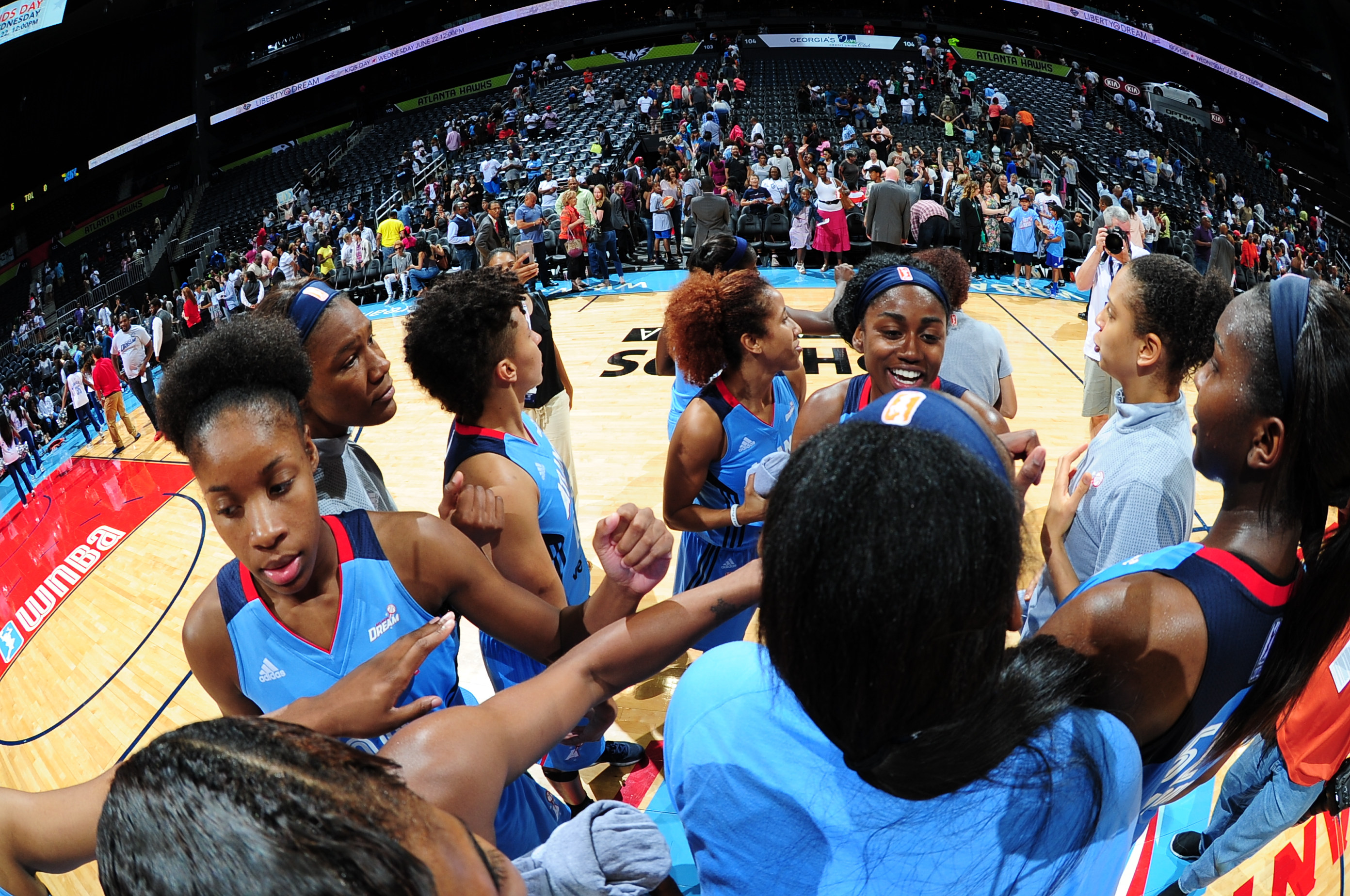 ATLANTA, GA - JUNE 17: The Atlanta Dream celebrate after the game against the Chicago Sky on June 17, 2016 at Philips Arena in Atlanta, Georgia. NOTE TO USER: User expressly acknowledges and agrees that, by downloading and/or using this Photograph, user is consenting to the terms and conditions of the Getty Images License Agreement. Mandatory Copyright Notice: Copyright 2016 NBAE (Photo by Scott Cunningham/NBAE via Getty Images)