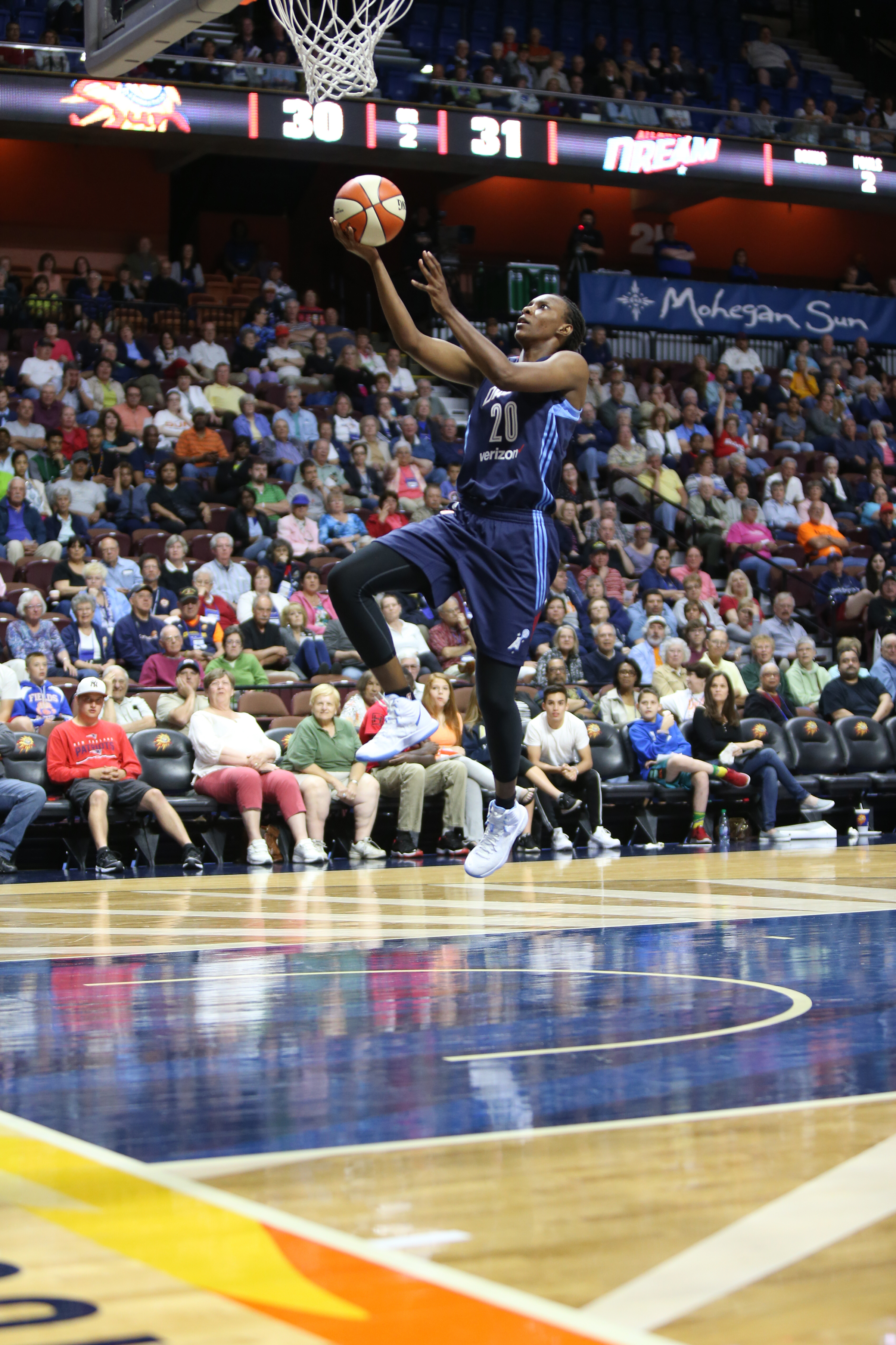 UNCASVILLE, CT - JUNE 3: Sancho Lyttle #20 of the Atlanta Dream goes for the lay up against the Connecticut Sun on June 3, 2016 at Mohegan Sun Arena in Uncasville, CT. NOTE TO USER: User expressly acknowledges and agrees that, by downloading and or using this Photograph, user is consenting to the terms and conditions of the Getty Images License Agreement. Mandatory Copyright Notice: Copyright 2016 NBAE (Photo by Chris Marion/NBAE via Getty Images)