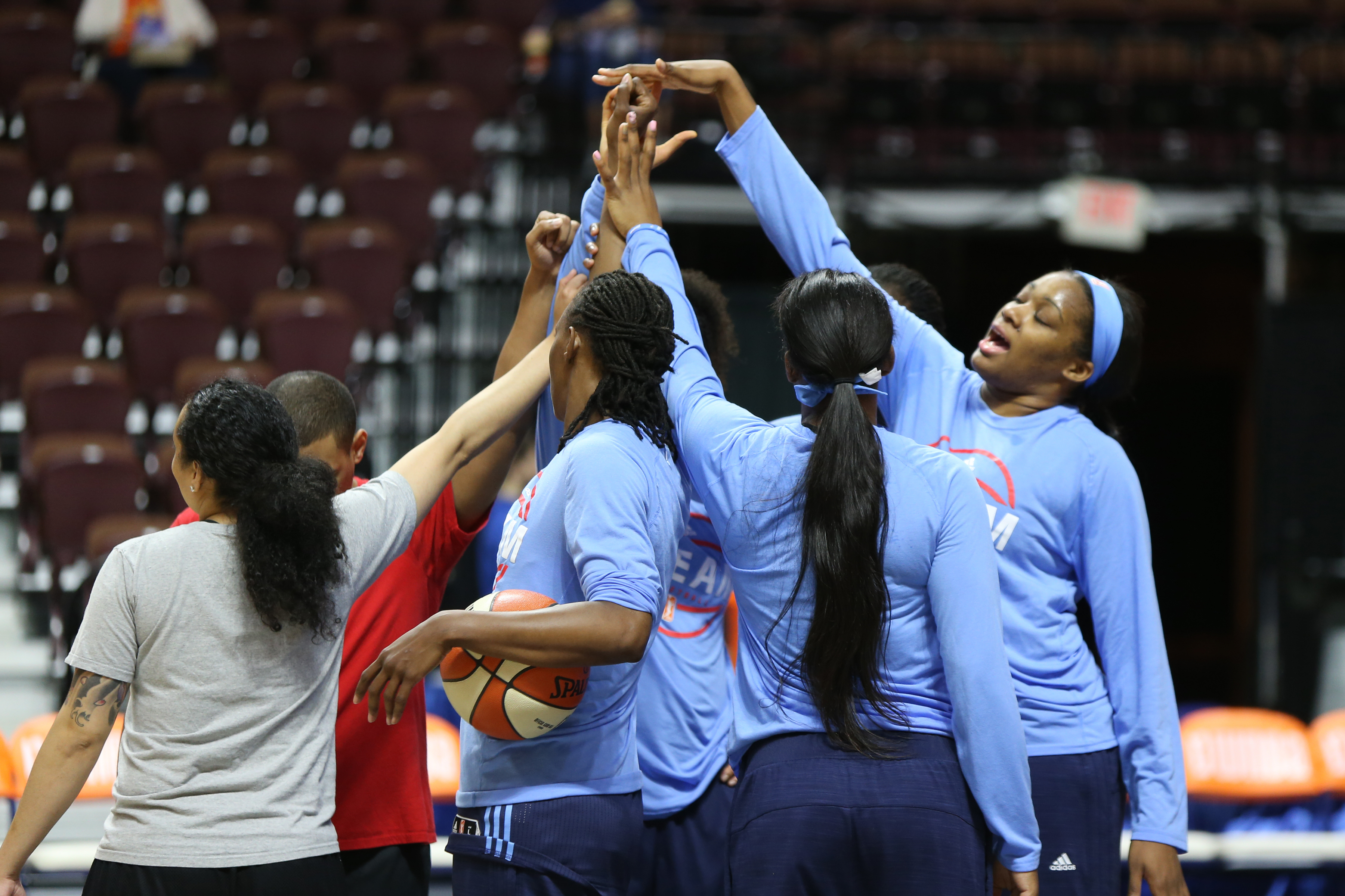 UNCASVILLE, CT - JUNE 3: The Atlanta Dream huddle before the game against the Connecticut Sun on June 3, 2016 at Mohegan Sun Arena in Uncasville, CT. NOTE TO USER: User expressly acknowledges and agrees that, by downloading and or using this Photograph, user is consenting to the terms and conditions of the Getty Images License Agreement. Mandatory Copyright Notice: Copyright 2016 NBAE (Photo by Chris Marion/NBAE via Getty Images)