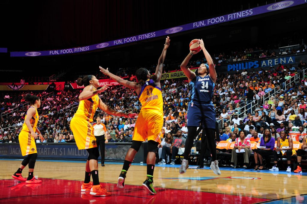 ATLANTA, GA - JULY 17: Markeisha Gatling #34 of the Atlanta Dream shoots the ball against the Los Angeles Sparks on July 17, 2016 at Philips Arena in Atlanta, Georgia. NOTE TO USER: User expressly acknowledges and agrees that, by downloading and/or using this Photograph, user is consenting to the terms and conditions of the Getty Images License Agreement. Mandatory Copyright Notice: Copyright 2016 NBAE (Photo by Scott Cunningham/NBAE via Getty Images)