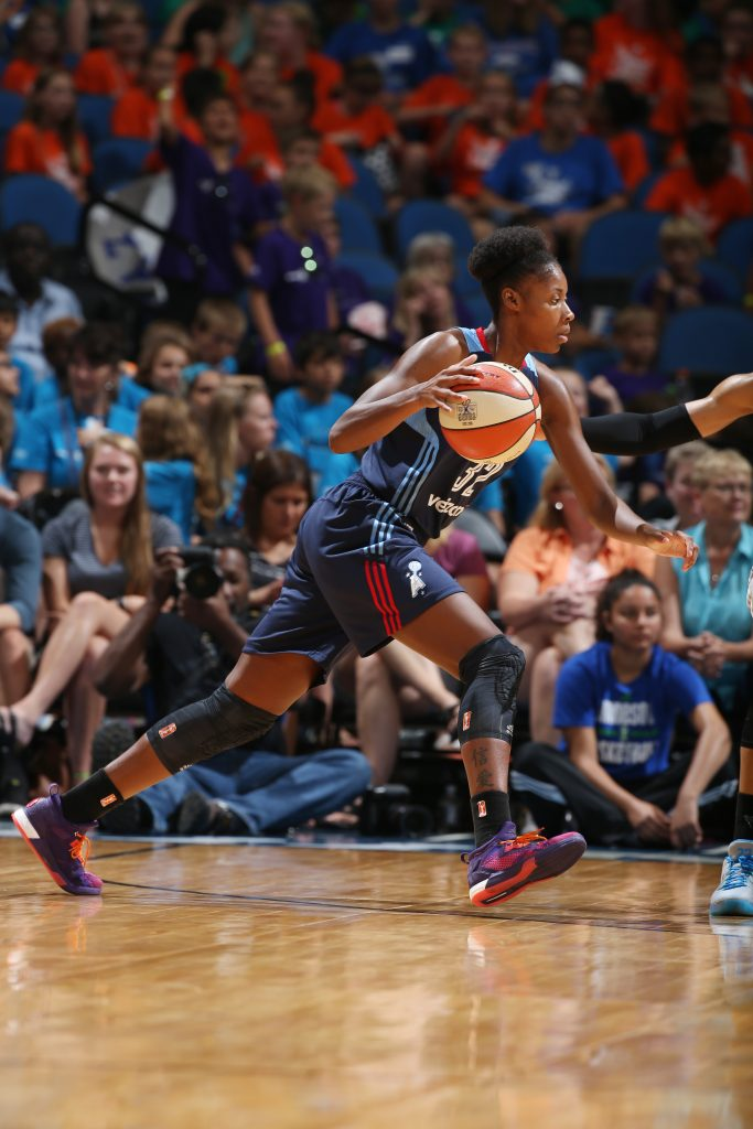 MINNEAPOLIS, MN - JULY 20: Bria Holmes #32 of the Atlanta Dream drives to the basket against the Minnesota Lynx on July 20, 2016 at Target Center in Minneapolis, Minnesota. NOTE TO USER: User expressly acknowledges and agrees that, by downloading and or using this Photograph, user is consenting to the terms and conditions of the Getty Images License Agreement. Mandatory Copyright Notice: Copyright 2016 NBAE (Photo by David Sherman/NBAE via Getty Images)