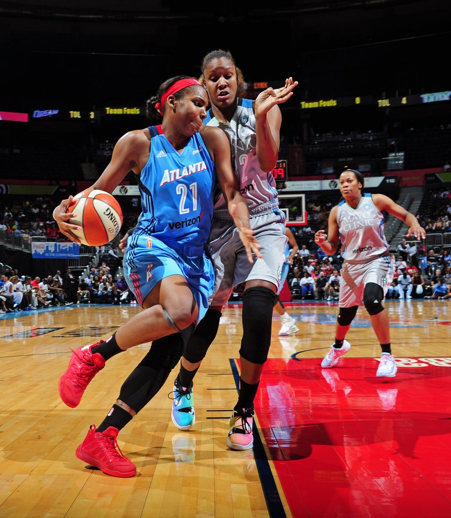 ATLANTA, GA - JUNE 10: Reshanda Gray #21 of the Atlanta Dream drives to the basket during the game against the Minnesota Lynx during a WNBA game on June 10, 2016 at Philips Arena in Atlanta, Georgia. NOTE TO USER: User expressly acknowledges and agrees that, by downloading and/or using this Photograph, user is consenting to the terms and conditions of the Getty Images License Agreement. Mandatory Copyright Notice: Copyright 2016 NBAE (Photo by Scott Cunningham/NBAE via Getty Images)